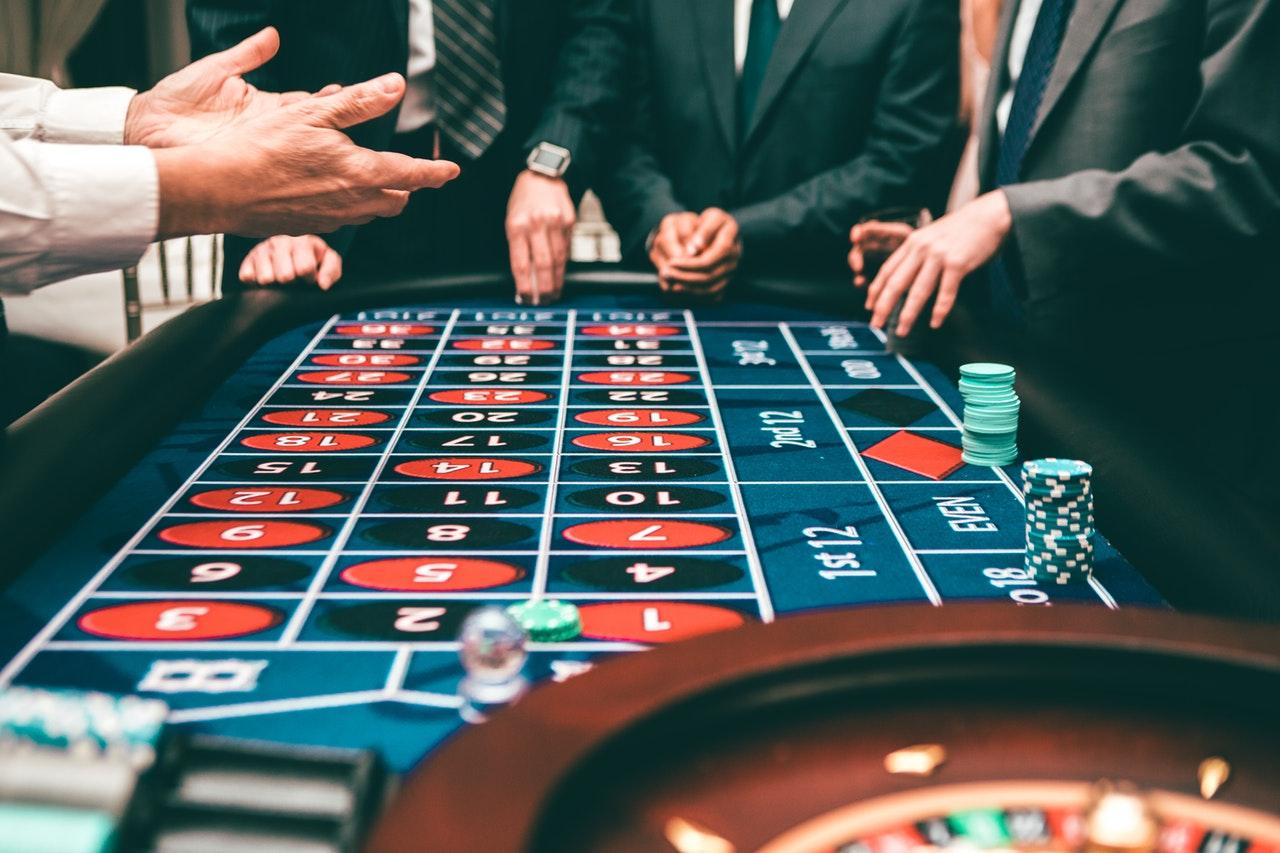 bonus bitcoin poker)